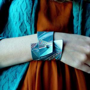 Mapupicchu : bracelet manchette cuir - Le blog Un Grand Marché